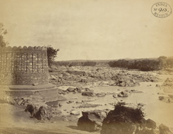 Corner of the Fort and view of the Betwa River at Orchha